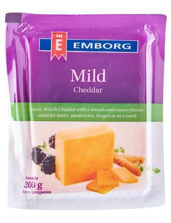 Сыр цветной Cheddаr Emborg 48% фото
