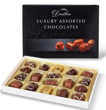 Цукерки шоколадні асорті Piasten Doulton Luxury Black фото